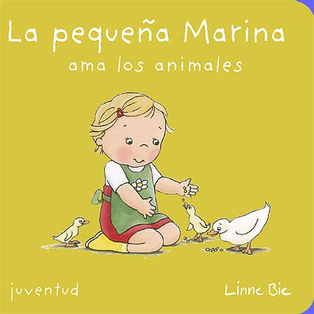 La pequeña Marina ama a los animales